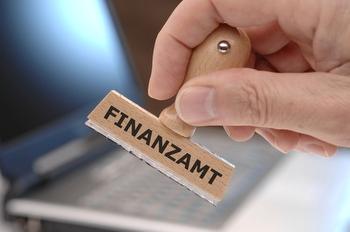 Steuern beim Finanzamt
